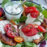 Filet z kurczaka z mozzarellą i pomidorami