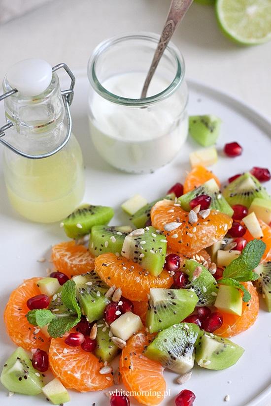 Sałatka owocowa z jogurtem